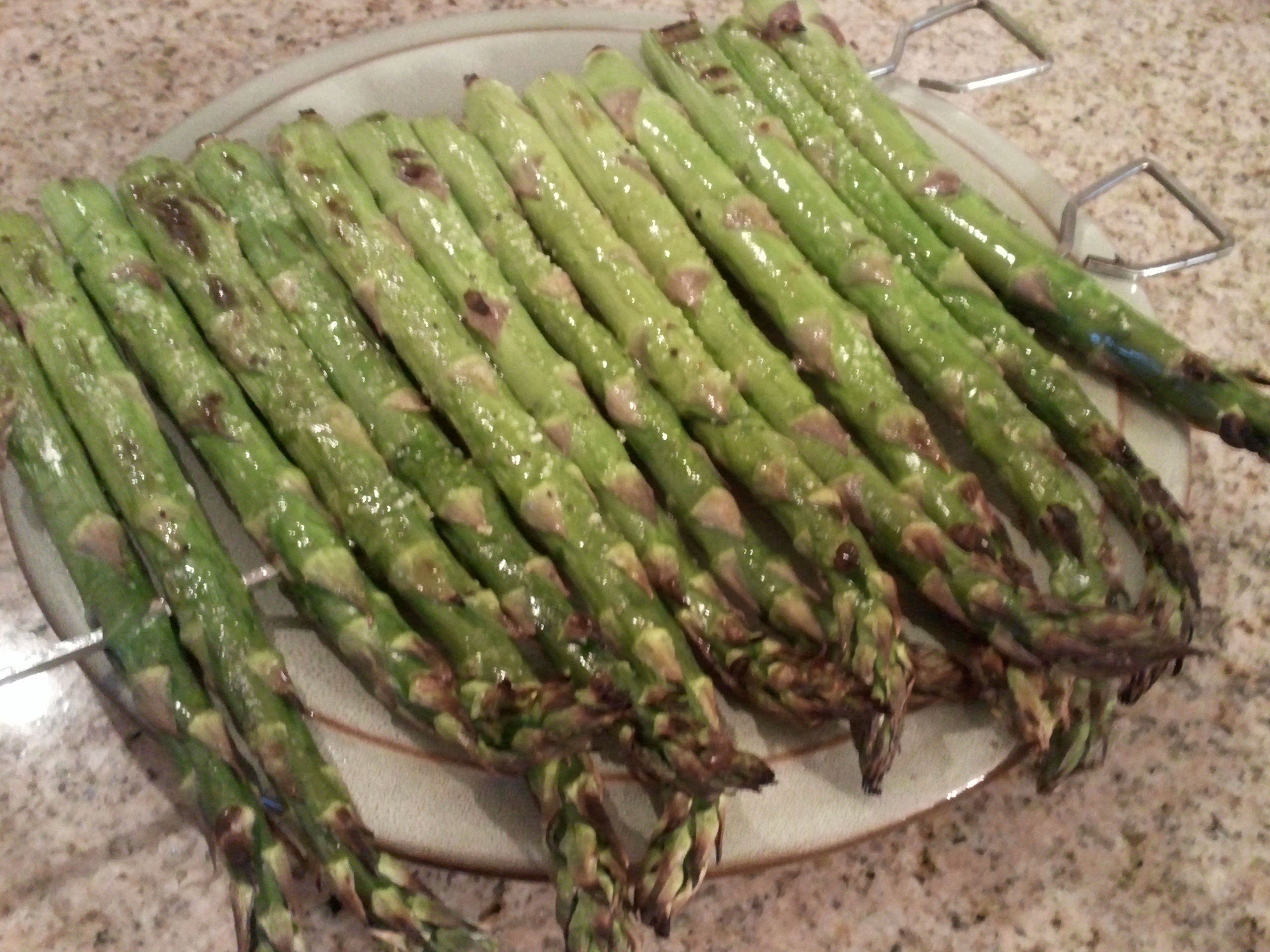 how to make fresh asparagus on the grill