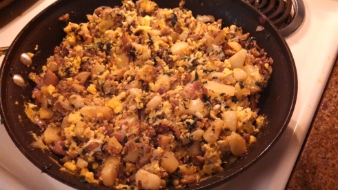 Sausage, red potato, red onion, mushroom, spinach, and scrambled egg filling for biscuit bowls